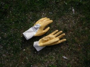 Best professional gardening gloves for pulling thistles and thorns
