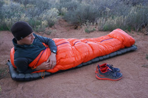 Best Backpacking Sleeping Bag Under 100$